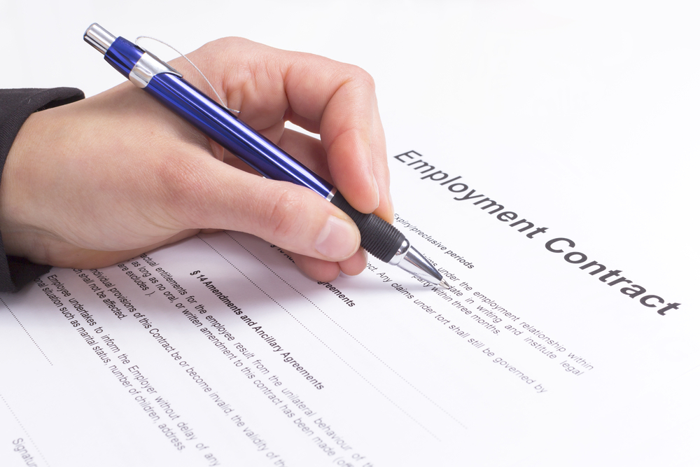 employment contract lawyer australia
